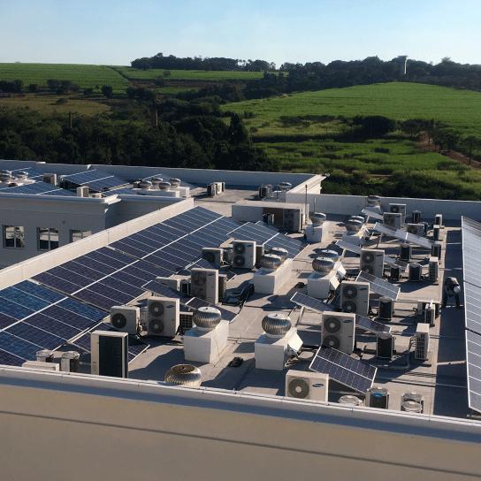 Fotos---Sistema-Fotovoltaico---Alphabusiness-(Bloco-DE)